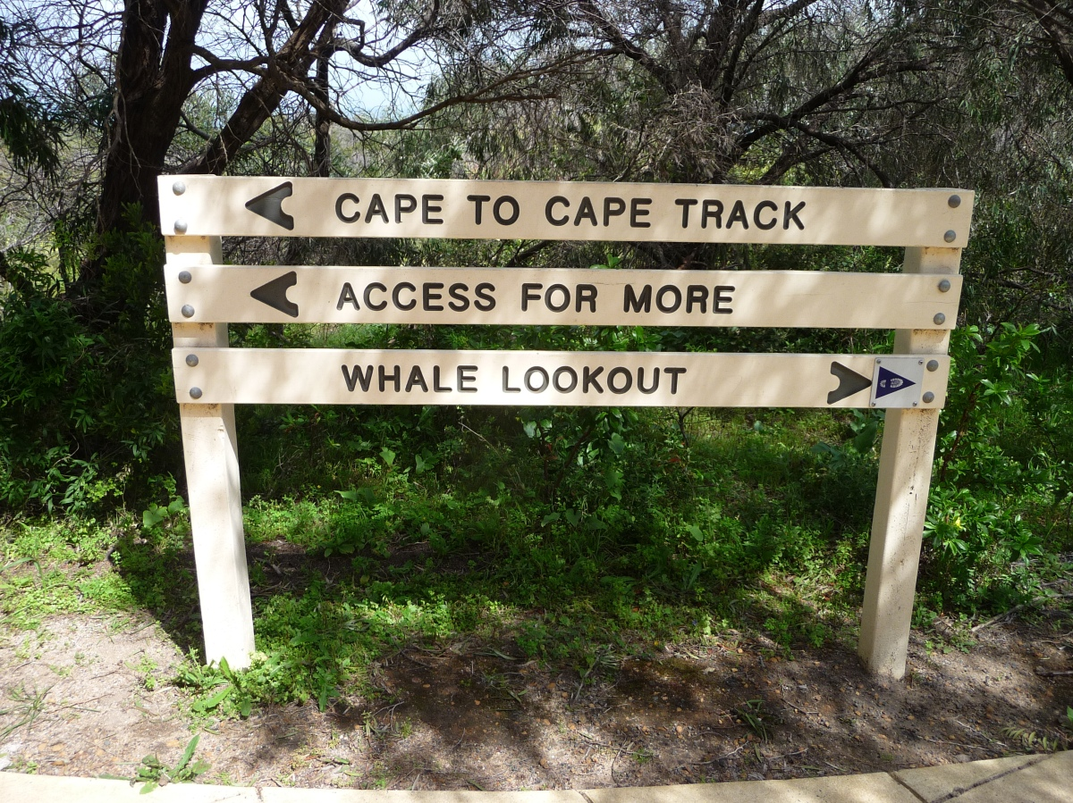 Cape to Cape track signage